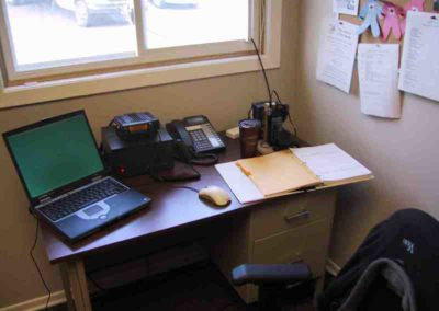 18. VA3NRC Stn - Most of the gear for two (2) VHFUHF stations. The amp for the handheld is on the floor VA3NRC_Stn_01